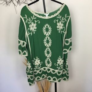 Boho green embroidered tunic blouse. 18/20 W
